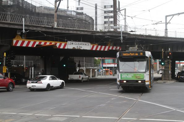 A2.266 heads west on route 70 at Flinders and Spencer Street