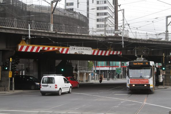 A2.270 heads east on route 70 at Flinders and Spencer Street