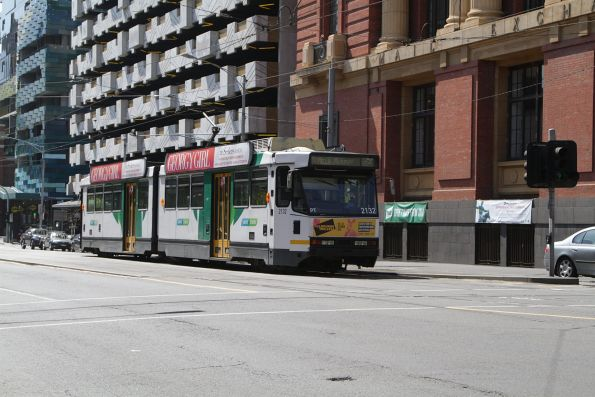 B2.2132 on a route 86a service at Spencer and Bourke Street