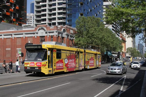 B2.2026 advertising 'Chemist Warehouse' on a route 86 service at Spencer and Lonsdale Street