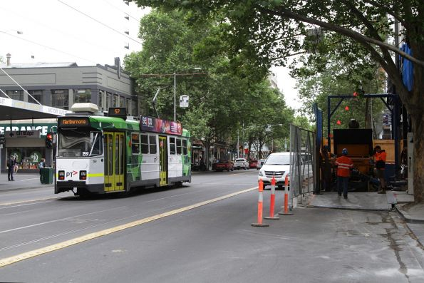 Z3.159 heads north on route 57 at Elizabeth and A'Beckett Street