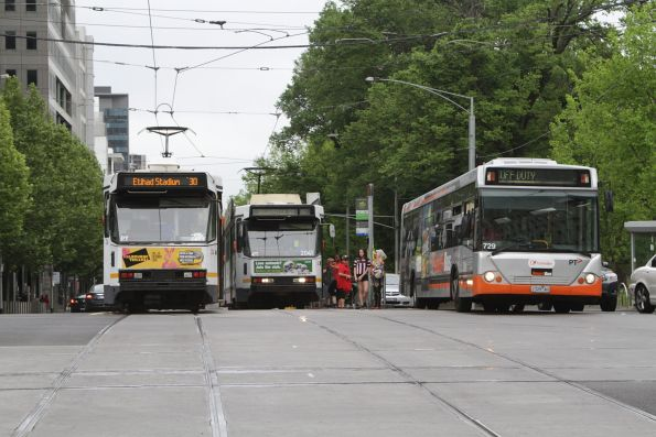 A1.234 and B2.2041 cross paths on route 30 at La Trobe and William Street