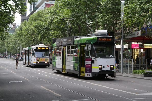 Z3.184 heads south on route 1 at Swanston and Little Bourke Street