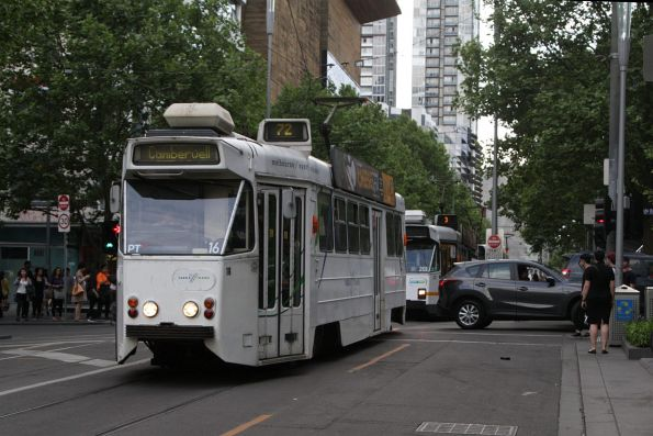 Z1.16 heads south at Swanston and Little Lonsdale Street