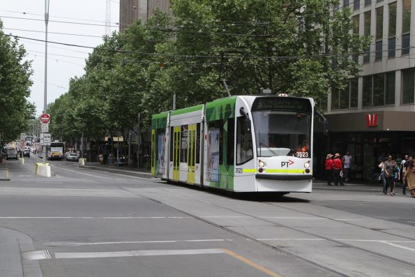 D1.3523 northbound on route 5 at Swanston and Collins Street