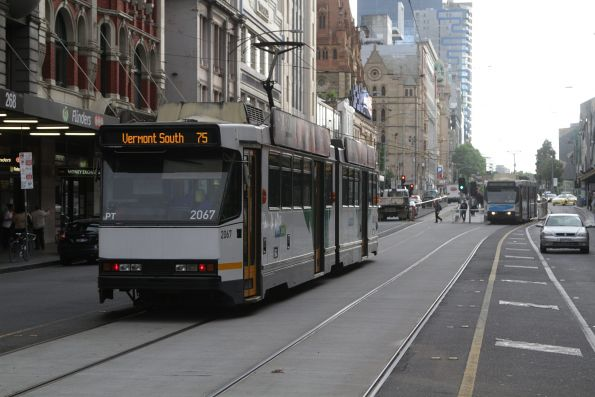 B2.2067 heads east on a route 75 service at Flinders and Elizabeth Street
