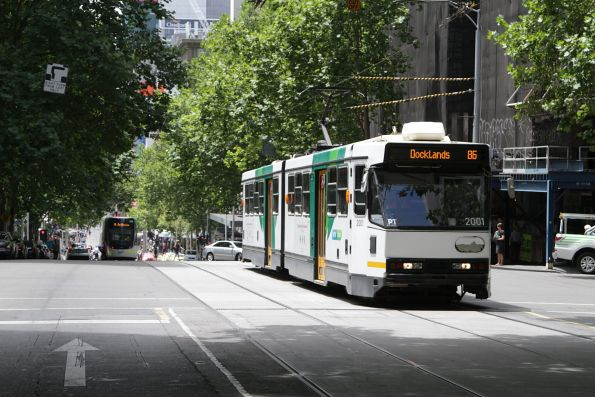B1.2001 westbound on route 86 at Bourke and Queen Street