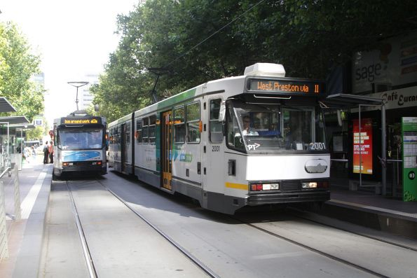 B1.2001 and A2.292 at Collins and Spencer Street