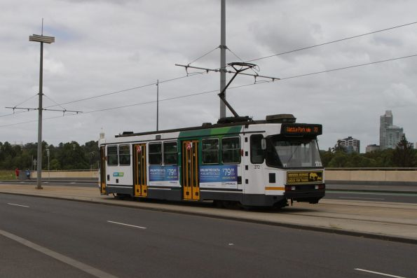 A2.272 heads south on Exhibition Street Extension with a route 70 service