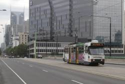 A2.266 heads west on route 30 over the La Trobe Street bridge