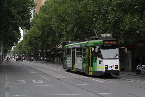 Z3.229 northbound at Swanston and Bourke Street