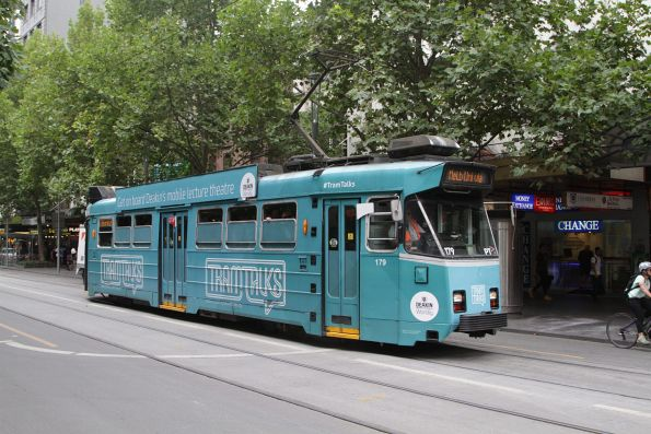 Z3.179 advertising 'Deakin University' northbound at Swanston and Bourke Street