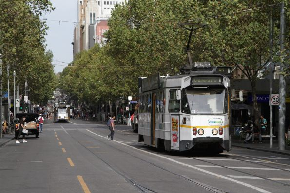 Z1.78 heads north on route 64 at Swanston and Little Lonsdale Street