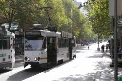 Z1.88 heads south on route 6 at Swanston and Bourke Street
