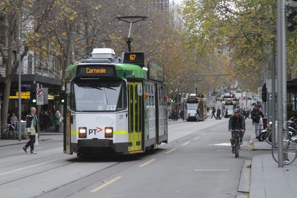 Z3.217 heads south on route 67 at Swanston and Little Collins Street