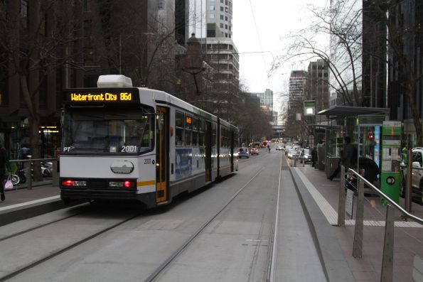 B1.2001 heads west on route 86 at Bourke and William Street