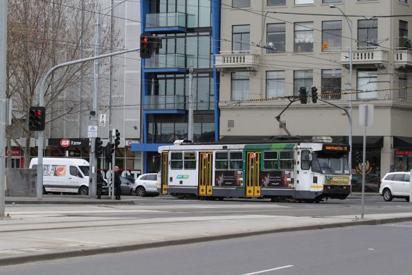 A2.285 on a route 70 service turns from Exhibition Street Extension into Flinders Street