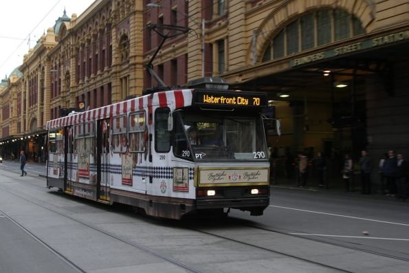 A2.290 advertising 'Bertocchi' heads west on route 70 at Flinders and Elizabeth Streets