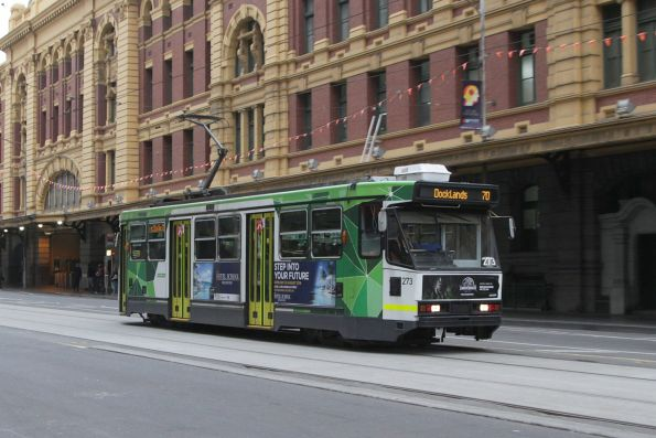 A2.273 heads west on route 70 at Flinders Street Station