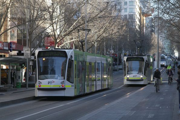 D2.5015 on route 8 passes D1.3507 on route 5 at Swanston and Little Bourke Street