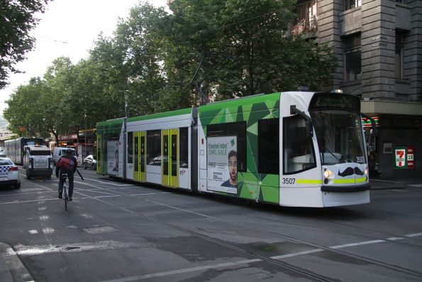 D1.3507 heads north on route 72 at Swanston Street and Flinders Lane