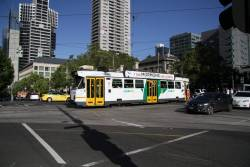 Z3.127 northbound on route 55 at William and La Trobe Street