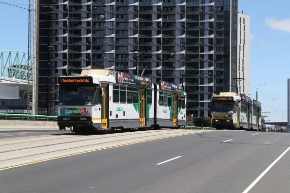 B2.2041 and B2.2058 cross paths on route 86 services across the La Trobe Street bridge