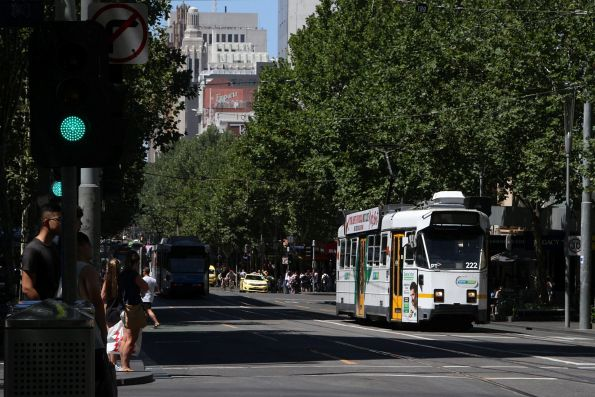 Z3.222 heads north at Swanston and Little Lonsdale Street