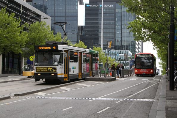A2.292 heads east on route 48 along Collins Street at Southern Cross Station