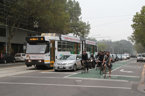 B2.2028 southbound on route 55 at Little Lonsdale and William Street