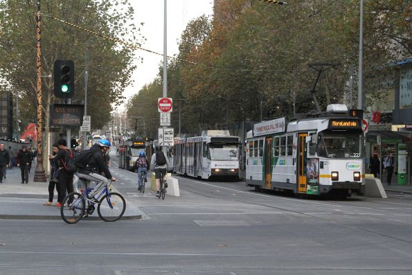 Z3.221 heads north on route 6 at Swanston and Collins Street