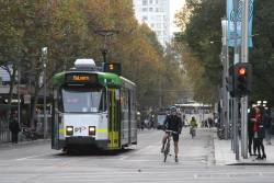 Z3.118 heads south on route 5 at Swanston and Collins Street