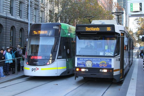 E.6002 and B2.2062 cross paths at Bourke and Spencer Street
