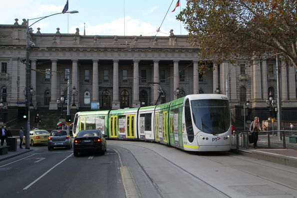 C2.5106 on route 96 turns from Spring Street into Bourke Street