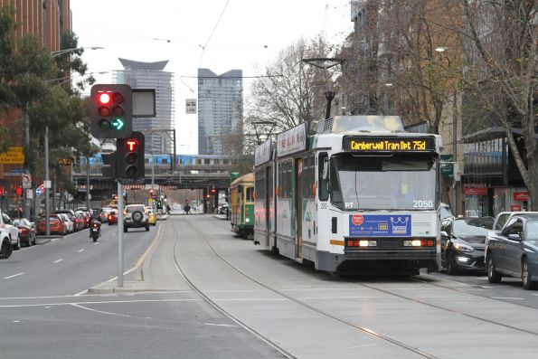 B2.2050 heads east on route 75d at Flinders and King Street