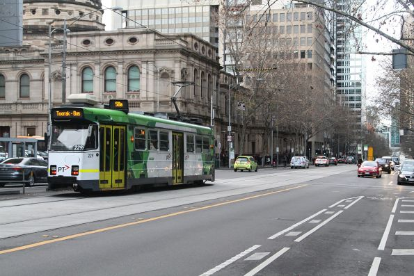 Z3.229 heads south on route 58a at William and Lonsdale Street