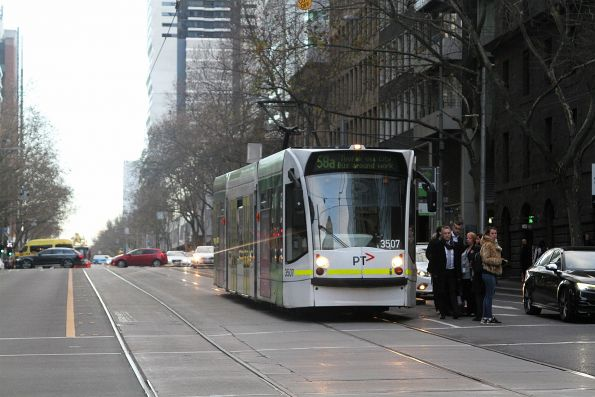 D1.3507 heads south on route 58a at William and Bourke Street