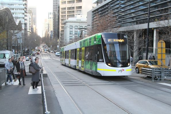 E.6043 heads west on route 11 on Collins Street at Batman's Hill