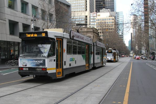 Pair of route 58 trams heads south at William and Lonsdale Street: B2.2107 and Z3.153