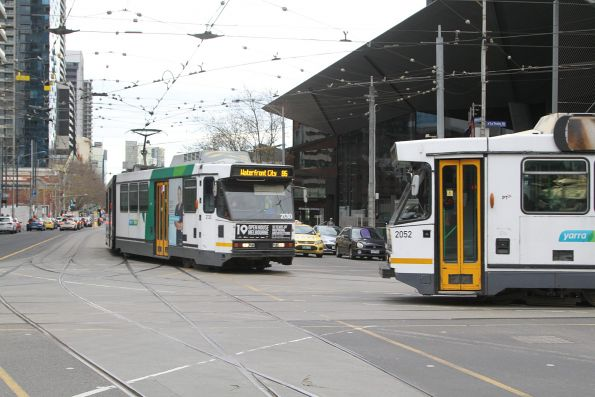 B2.2130 and B2.2052 cross paths on route 86 at Spencer and La Trobe Street
