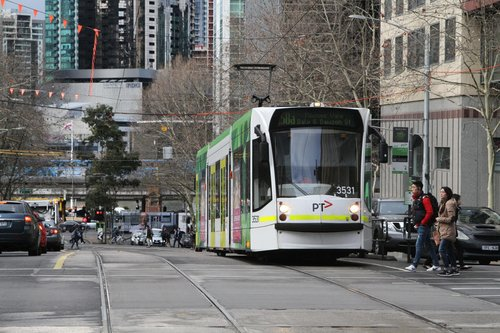 D1.3531 heads north on route 58a to Moonee Vale at William and Collins Street