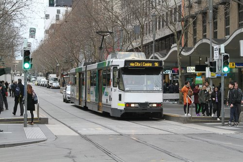 B2.2091 heads west on route 96 at Bourke and Swanston Street