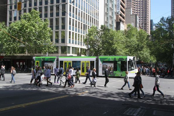 D1.3523 heads north at Swanston and Collins Street