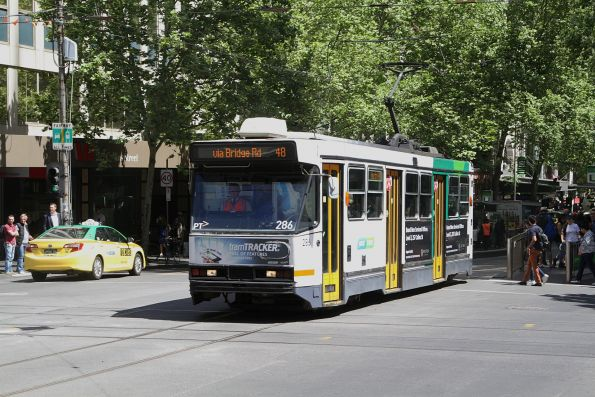 A2.286 heads east on route 48 at Collins and Swanston Street