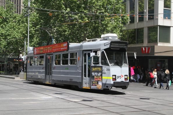Z3.206 heads north at Swanston and Collins Street