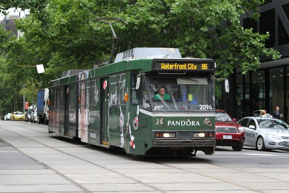 B2.2094 advertising 'Pandora' heads west on route 86 at Bourke and William Street