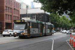 B2.2066 heads west on route 86 at La Trobe and Spencer Street