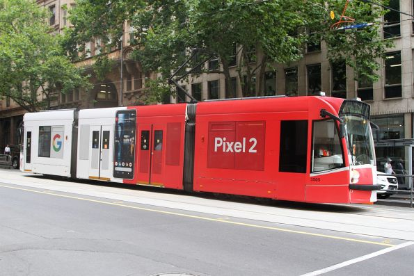 D1.3505 advertising 'Pixel 2' heads south on route 58 at William and Collins Street