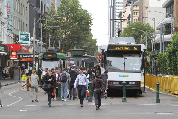 B2.2045 on route 59 and a Z3 on route 59 at the Elizabeth Street tram terminus