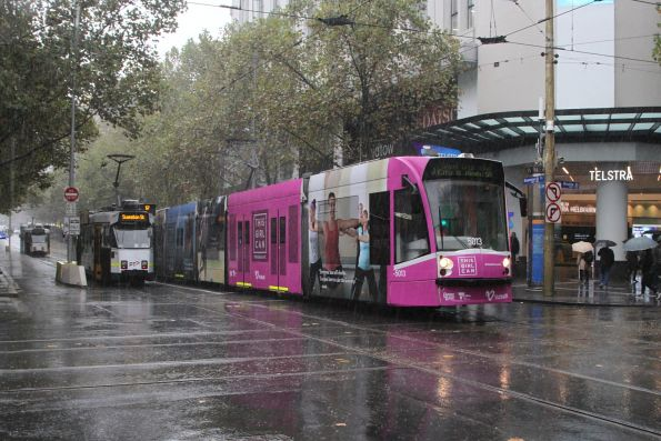 D2.5013 advertising 'This Girl Can' heads south on route 6 at Swanston and Bourke Street